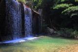 宇曽川ダム公園と宇曽川渓谷|無料で楽しめるエメラルド色の川遊びスポット!